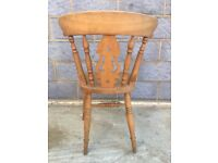 Antique dining table chairs. Set of 6 plus 2 end ones with arms