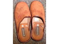 Brown men s Dunlop mules / slippers size 9