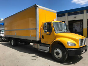 2012 Freightliner 26ft box automatic, hydraulic brakes, 33k gvw