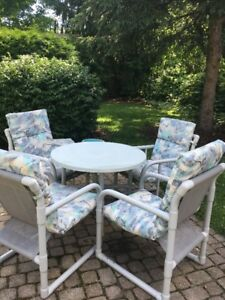 Patio set: table and 4 chairs