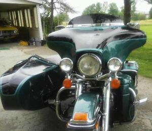 HARLEY -DAVIDSON ULTRA WITH MATCHING SIDECAR