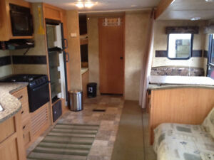 2009 27 foot hideout travel trailer