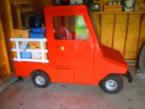 1985 TAYLOR-DUNN VINTAGE GOLF CART