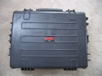 CALUMET WT3434 WATERPROOF CASE.