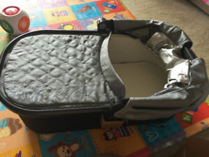 Brand new uppababy vista bassinet for sale