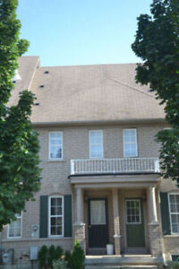 RICHMOND HILL TOWNHOUSE FOR RENT - 3 BEDROOM 3.5 BATH Yonge/Hwy7