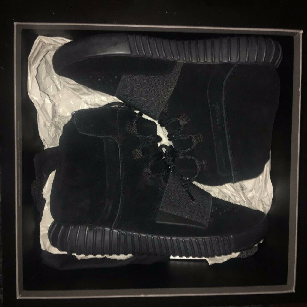 YEEZY BOOST 750 TRIPLE BLACK UK9.5 FOR SALE