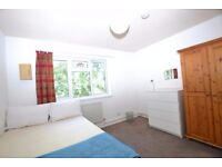 SPACIOUS 5 BEDROOM HOUSE IN BRICK LANE*** RECENTLY REFURBISHED*** FULLY FURNISHED*** BIG GARDEN