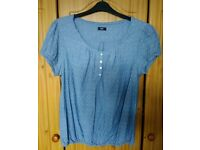 ladies blue top size 22