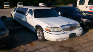 LINCOLN TOWN CAR STRETCH 2003