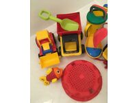 Sandpit set of 14 items to play in sand