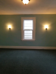 Large bright one bedroom