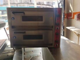 Pizza oven great condidtion hardly used please ring 07969922369 or 07446571483