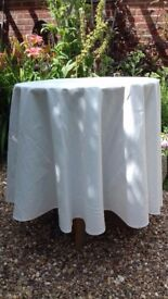 Smalk round bedside table with cloth
