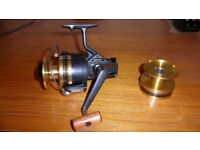 DAIWA BG60 SPINNING REEL (BRAND NEW, BOXED) WITH SPARE SPOOL