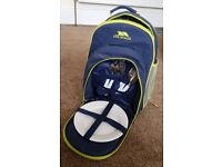 TRESPASS PICNIC RUCKSACK COOL BAG WITH PLATES & CUTLERY