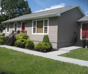 Beautiful Bungalow in Kytes Hill Subdivision!