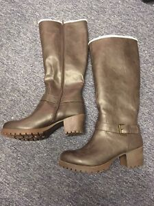 Knee high chunky boots size 12