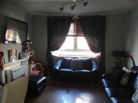 2 bedroom Hutchison