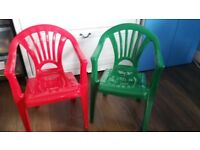 2 plastic chairs very good condition
