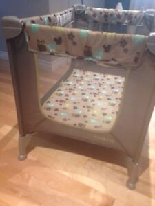Playpen / pack and play