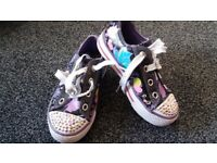 skechers twinkle toes light up girls UK 9.5/EUR 27 immaculate condition trainers