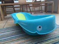Fisher Price Whale baby bath in blue and green