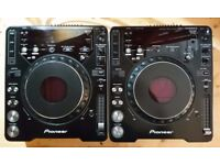 Pair of CDJ100 Mk 3. Boxed with decksaver covers, VGC. No scratches.