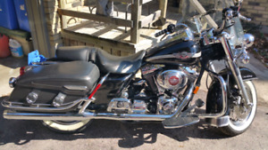 HARLEY DAVIDSON 100TH Anniversary Road King Classic