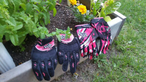 2 - Pair of Girls Dirt bike gloves