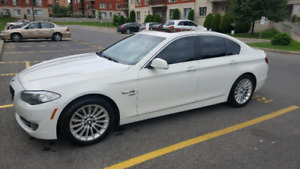 Bmw 2011 535 xi mint condition