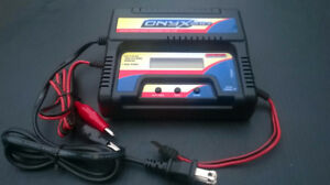 """Duratrax Onyx 210 AC/DC Peak RC Charger"""