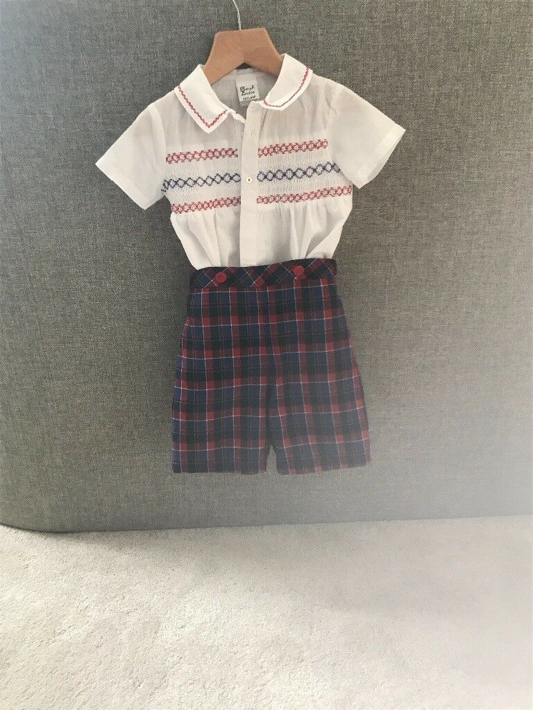 Sarah Louise outfitin Cambuslang, GlasgowGumtree - Sarah Louise top and short set . Size 2 years old . Perfect condition ,only worn once for a few hours