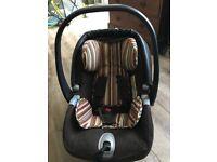 Mamas & Papas isofix base & car seat