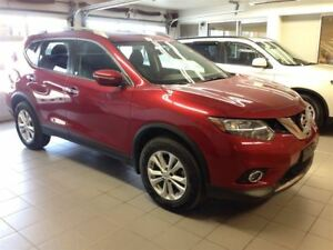 2015 Nissan Rogue SV 1 OWNER LOCAL TRADE!!