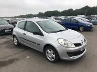 Renault Clio 1.5 dci diesel 2006 1 years mot cheap road tax!!!