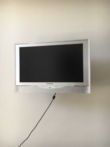 "Panasonic 22"" Flat Screen TV"
