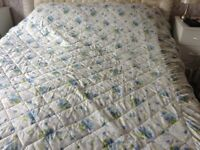 Double fitted Bedspread And 2 Pillow Shams, AS NEW, BARGAIN.