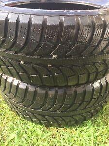 2 tires / 2 pneus P 225 50 R17 Champiro Ice