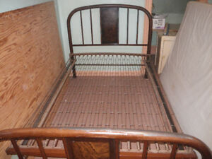 Complete Antique 3/4 Metal Bed