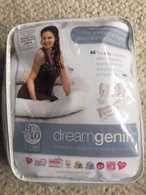Pregnancy pillow - nearly new dreamgenii