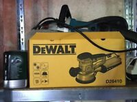 DeWALT D26410 Random Orbit Sander 150mm