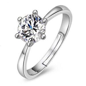 Beautiful 0.8CT Diamond Solitaire & Silver w. Platinum RIng
