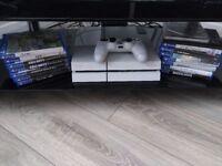 PlayStation 4 White 500GB, Dualshock 4 Controller, 14 Games Bundle
