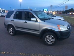 2004 Honda CR-V 4x4 in Halifax today , must go