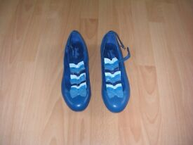 Quirky two tone blue leather shoes, size 5, never worn.