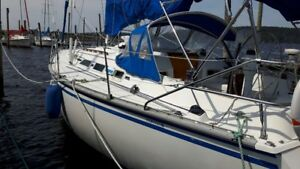 1985 Hunter Sail Boat 35' ***price reduced***
