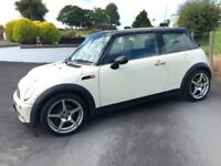 MINI ONE 2005 WHITE ***MOT APRIL 2018***