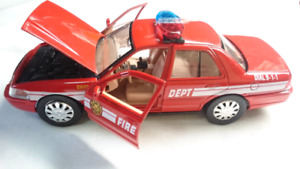 MOTOR MAX DIECAST 2007 FORD CROWN VICTORIA FIRE DEPT CHIEF 1:24