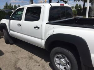 2014 Toyota Tacoma Pickup Truck - Priced to sell!